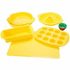 18 Piece Silicone Bake Ware Set Loaf Pan Cup Cake Yellow