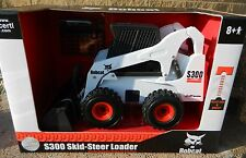 ERTL 1:16 *BOBCAT EQUIPMENT* Model S300 Skidsteer Loader MODEL *NIP*