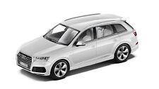 Audi Q7 4M Model car 1:43 model 2015 Glacier White white - 5011407623