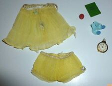Mattel Barbie Doll Outfit Sweet Dreams #973 Baby Doll Scuffs Diary Clock Apple