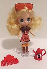 Littlest Pet Shop Blythe Doll B5 with Autumn Glam Outfit and Accessories EUC