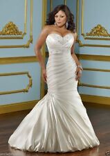 Strapless sweetheart white ivory mermaid trumpet plus size wedding dress custom
