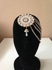 New Indian jewellery Bollywood Style Head Piece in Gold & White M4