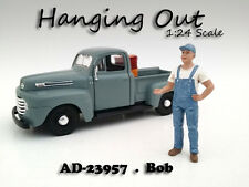 """""""HANGING OUT"""" BOB FIGURE FOR 1:24 SCALE MODELS AMERICAN DIORAMA 23957"""