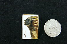 GOLD HEAD ON WHITE PIN