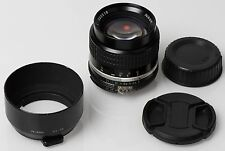 Nikon Ai-s NIKKOR 85mm F/2 with hood