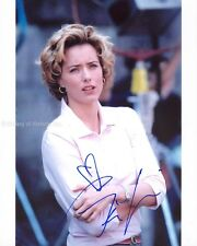 TEA LEONI - PHOTOGRAPH SIGNED