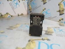 SCHMERSAL AZ16ZVR 600 VAC 200 V 10 A INTERLOCK SWITCH