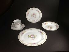 BEAUTIFUL VINTAGE CROWN MING CHINA 5 PIECE PLACE SETTING -TRANQUILITY PATTERN
