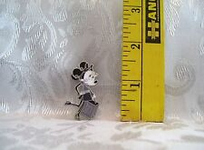 Walt Disney MINNIE MOUSE PARIS GLAMOUR WITH SHOPPING BAG TRADING PIN 90819