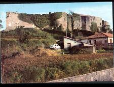 VIBO VALENTIA (ITALIE) AUTOMOBILE FIAT au CHATEAU NORMANNO & VILLA en 1967
