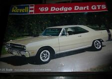 Revell 1969 Dodge Dart GTS 1/25 Model Car Mountain KIT FS