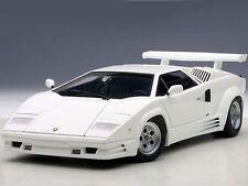 AUTOart Lamborghini Countach 25th Anniversary 1988 White 1:18 (74537)