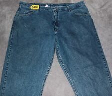 WRANGLER RELAXED FIT Jean Pants For Men W42 X L32. TAG NO. 521W