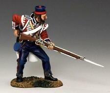 KING AND COUNTRY  CRIMEAN WAR 2   BRITISH INFANTRY LOADING RIFLE   CR007