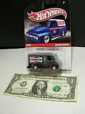 Hot Wheels Delivery Silver Combat Medic Van #11 - Champion - RR - M/M - 2010