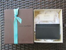 LOUIS VUITTON. MEN'S GENUINE LEATHER CREDIT CARD HOLDER. NEW IN BOX.