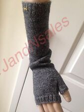 Juicy Couture Cloorblock Grey Gray Gloves w/Gold Tone Juicy Logo YTRUC013