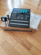 Alesis HR-16B,HR16, Drum Machine,Eprom ready, Linn Drums ,Manual ,Vintage,HR16B