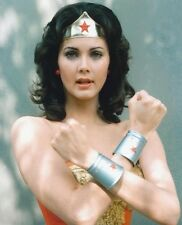 Lynda Carter UNSIGNED photo - 2799 - Wonder Woman