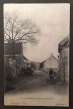 CPA. CHARENTENAY. 89 - Route de Vincelles. Années 1900. Tricycle Adulte?