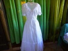 des ans 60 T36    jolie robe de mariée  le charme des années vintage t b état