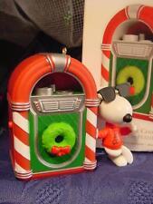 2012 HALLMARK Magic PEANUTS CHRISTMAS ORNAMENT Snoopy Jukebox JOE COOL ROCKS wbx