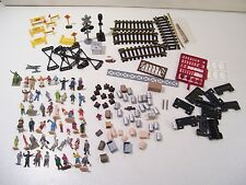 LOT OF ASSORTED HO SCALE TRAIN PEOPLE, ACCESSORIES, TRACK