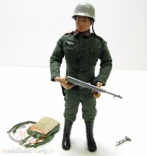HASBRO ACTION TEAM/ACTION MAN/G.I. JOE Figur deutscher Soldat WWII Scale 1:6