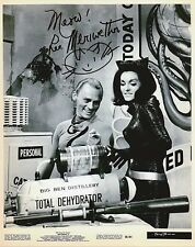 LEE MERIWETHER Signed 10x8 Photo CATWOMAN in BATMAN Photo Proof COA