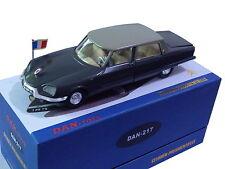 DAN TOYS Citroën DS Présidentielle chauffeur portes arrières et coffre .DAN 217