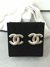 BNIB Auth Chanel White Pearl GOLD PLATED CC LOGO Stud EARRINGS 2016