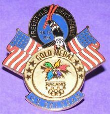 NAGANO 1998 Olympic Collectible Logo Pin - Gold Medal Men's Freestyle Aerials
