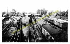 Brockenhurst Railway Station Photo. Southampton to Holmsley and Lymington. (12)