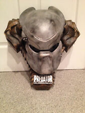 PREDATOR HELMET MASK MOVIE PROP w/ WALL MOUNT DISPLAY ICONS TIMELESS VERY RARE!