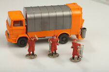 Garbage Truck with müllwerkern and Warning Lights blinkset Dirt/Defects -