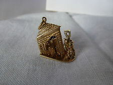 9ct 9carat Yellow Gold Traditional Charm, Pub & Drunk Man (moves) 7.4 grams