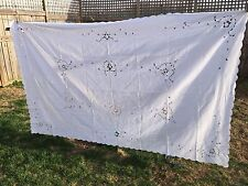 VINTAGE 1960'S ERA WHITE LINEN CUTWORK TABLECLOTH