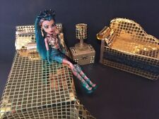 Monster High furniture Bedroom set: Nefera De Nile. Bed,sofa,woodbox,lamp