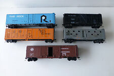 HO Rolling Stock ~LOT OF 5~ Reefer, box, cattle all with McHenry Knuckle coupler