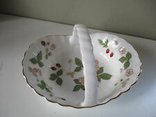 Wedgwood Wild Strawberry Basket with handle and gold gilding first quality