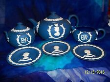1953 L.E.WEDGWOOD ROYAL BLUE CORONATION QUEEN ELIZABETH II TEAPOT CREAMER SUGAR
