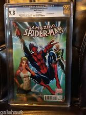 AMAZING SPIDERMAN # 1 CGC 9.8. J. SCOTT CAMPBELL MIDTOWN COMICS VARIANT!