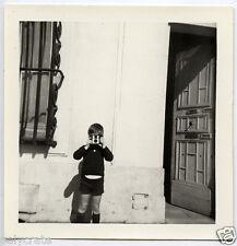 Enfant photographiant appareil photo - photo argentique ancienne an.1950