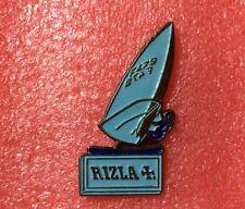 Pins RIZLA + Croix PLANCHE A VOILE Papier à Cigarette
