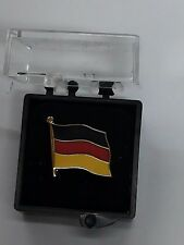 DISTINTIVO IN METALLO BANDIERA TEDESCA SPILLA GERMANIA GERMAN FLAG METAL REGALO