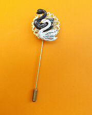HAND Painted Black & White Swan PIN bronzetone Filigrana Fiore Bird bavero Spilla