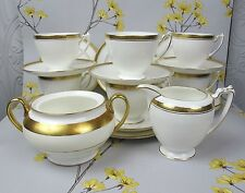 "Vintage coalport bone china ""elite royale"" tea set pour 6. or & blanc."