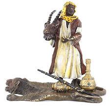Wiener Bronze Araber Figur Vienna Bronze Jäger Beduine auf Bärenfell handbemalt