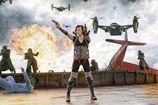 Milla Jovovich 11x17  Poster Resident Evil Retribution firing guns helicopter